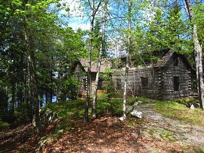Quiet, Relaxing, Family-Friendly Lakeside Cabin