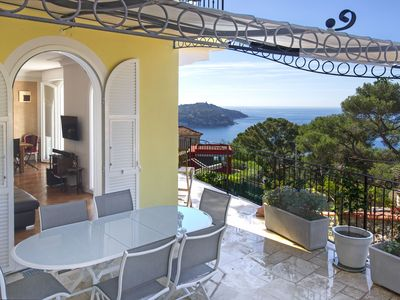 Photo for Provencal villa with spectacular sea views, Provence pur