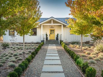 Photo for Beautiful Sonoma Modern Farmhouse