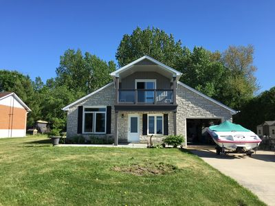 Photo for Bluepoint Cottage on Lake Huron. 20 minutes to Sarnia and Bluewater Bridge to US