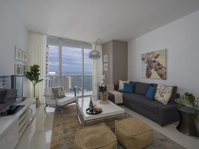 Photo for One Bedroom Downtown Apartment with Balcony