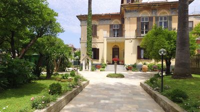 Photo for Villa Elide-Whole Historical residence, GARDEN 7/8 people