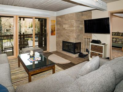 Photo for Newly renovated modern three-bedroom with balcony