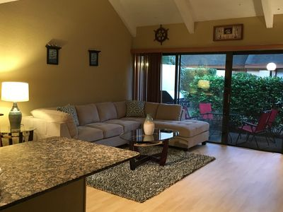 Photo for Spacious 1 Bedroom - Close To All