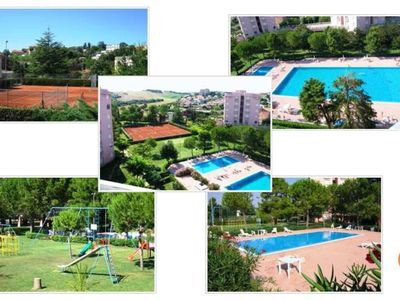 Photo for Apartment with swimming pools and park a stone's throw from the sea