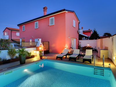 Photo for Villa near Rovinj with private pool, 3 bedrooms, 2 bathrooms, washing machine, wifi, air conditioning, terrace and barbecue