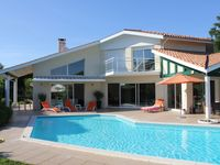 Fantastic villa, great location, extremely helpful owner