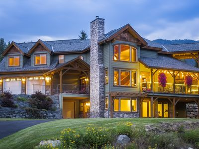 Photo for Custom Timber Frame 2/bd/rm suite 7 min to Nelson