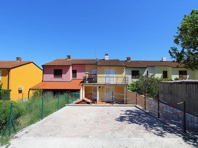 Photo for Modern apartment with bedroom, kitchen, bathroom, air conditioning, balcony, barbecue - near the Cape Kamenjak