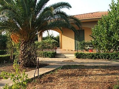 Photo for 5 bedroom Villa, sleeps 10 with Air Con, FREE WiFi and Walk to Shops