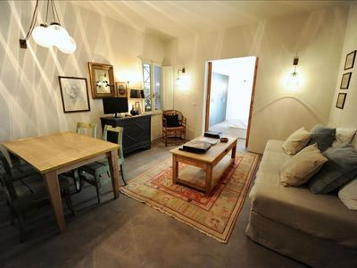 Kumquat apartment in Oltrarno with WiFi, integrated air conditioning & balcony.