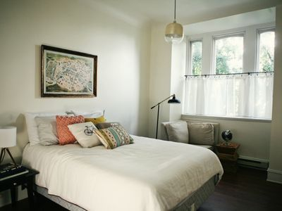 Photo for Cozy Downtown Apartment