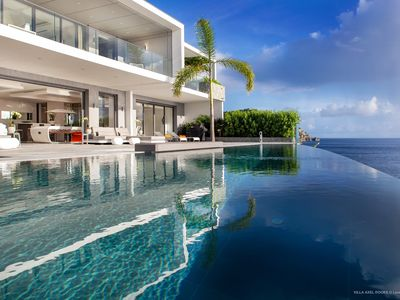 Modern villa with a beautiful look and stunning view