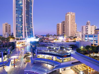Photo for Central Surfers Paradise - Premium Circle on Cavill 3 bedroom SPA Apartment