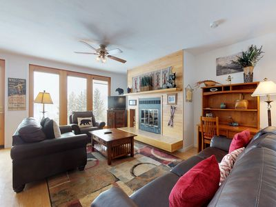 Photo for NEW LISTING! Cozy condo w/clubhouse access - shared pool, hot tubs & gym