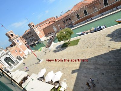 Photo for ARSENAL PALACE CANAL VIEW, 16 pax, aircond, wifi