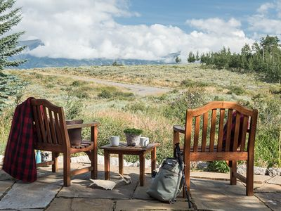 Photo for Elegant mountain retreat, stunning panoramic views