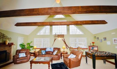 Mt. Maplewood Chalet - 6BR/3BA Hot Tub Fireplaces Jacuzzis Games and more ... Poconos Arrowhead Lake