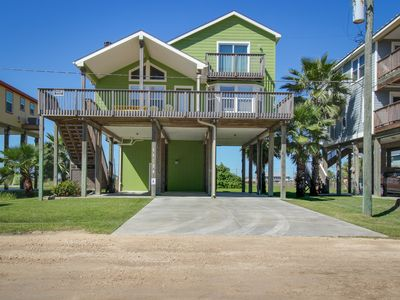 Photo for Beautifully renovated house with Gulf views & nearby beach access - dogs okay!