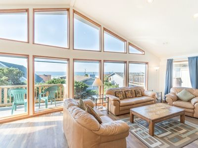Photo for Located in the popular Roads End district of Lincoln City with amazing views!