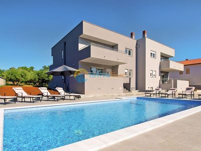 Photo for Villa 1939/24055 (Istria - Pula), Family holiday, 3000m from the beach