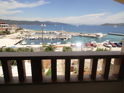 Photo for Seafront apartment for 4+1 at Apartments Villa Ana - open sea view