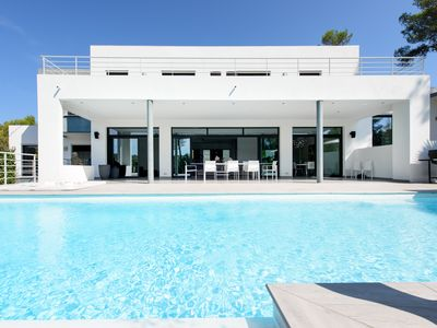 Photo for CONTEMPORARY VILLA WITH LARGE GARDEN AND INFINITY POOL NEAR MONTPELLIER