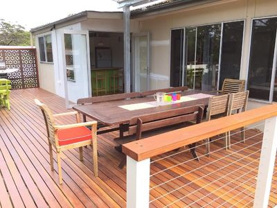 Photo for South Coast Retreat located only a short walk from Green Island, lake and cafe.