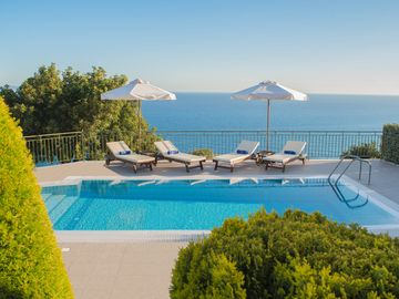 Search 662 holiday rentals
