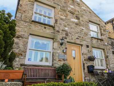 Photo for DIBBLE COTTAGE, pet friendly, with open fire in Reeth, Ref 14675
