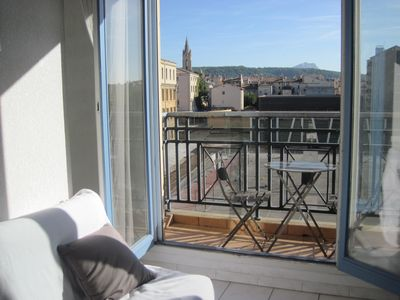 Photo for Cosy furnished apartment in the historical centre of Aix-en-Provence