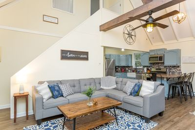 Stylishly renovated with large sectional couch, open floorplan