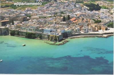 Fantastic location, 5 minutes walk from the castle a near town, sea & restaurant