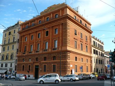Photo for Great Location Across from the Colosseo Free Wifi Apt Fernando