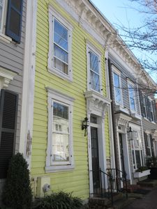 Comfortable Townhome Steps To Georgetown S Top Spots W Parking Garden