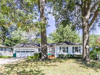Photo for Peaceful and beautiful ranch in Overland Park, KS
