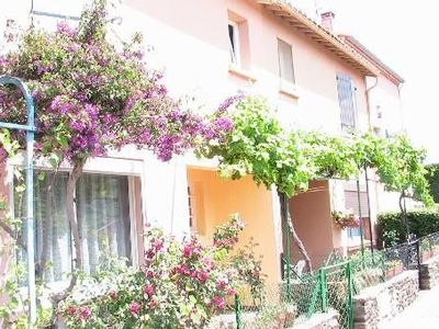 Photo for Quiet house with parking on Collioure heights