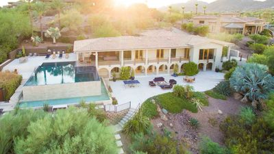 Photo for Modern Luxury Villa! Infinity pool and spa! Camelback Mtn Views! Ideal Location!
