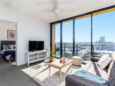 Photo for Amazing View! 2 Bed+FREE PARKNG | Fortitude Valley