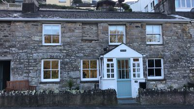 Photo for Traditional Cornish Cottage close to the beach with private parking