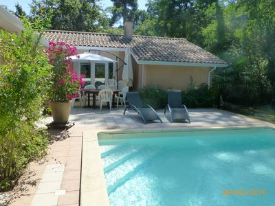 Photo for Nice villa very quiet 400m from the beach, with pool and jacuzzi.