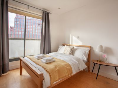 Photo for Bright & Spacious Apartment in King's Cross London