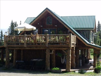 Front view of rustic, Hungry Moose B&B