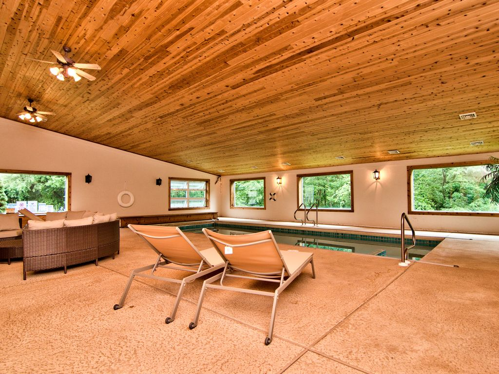 UPSCALE PEARL WITH PRIVATE INDOOR POOL~SAUN... - VRBO