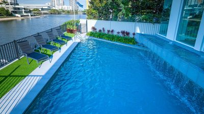 Photo for SPACIOUS HOME FOR FAMILY GROUPS - A SHORT WALK TO THE HEART OF BROADBEACH