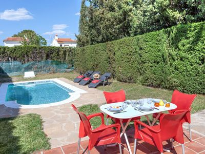 Photo for Wonderful private villa with WIFI, A/C, private pool, TV, washing machine and parking