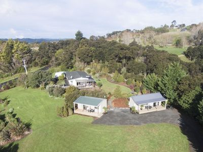 Photo for Auckland Country Cottages - Tui Cottage