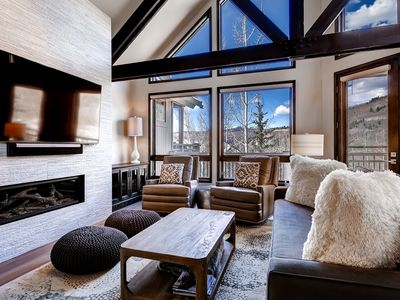 Photo for Luxe Pines Lodge Townhome Sleeps 10
