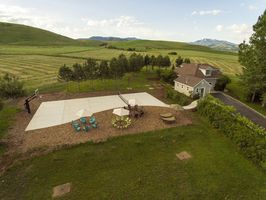 Photo for 6BR House Vacation Rental in Paradise, Utah