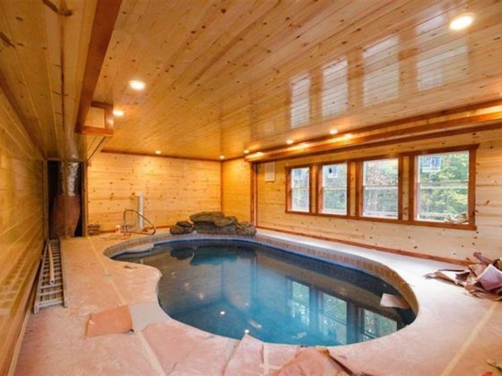 Private indoor pool  Private Indoor Pool, Hot Tub, Game Room,... - HomeAway Sevierville